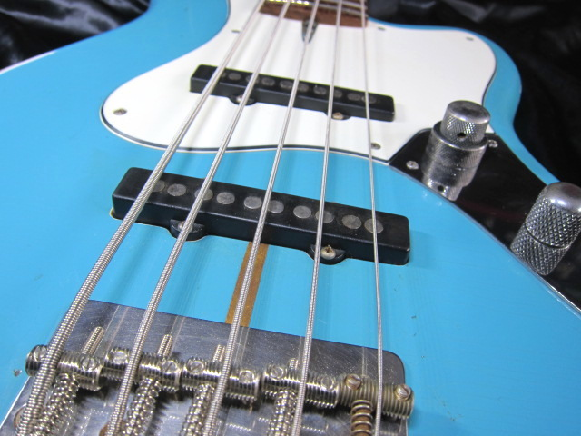 画像5: Davis Custom Guitars Vintage V BASS