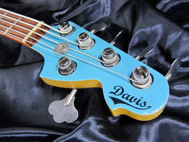画像4: Davis Custom Guitars Vintage V BASS