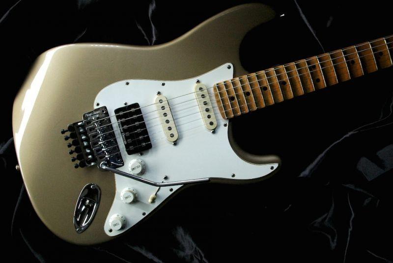 画像1: Fender Custom Shop 1956 STRATOCASTER  /Harry K Cody / Master Builder Larry Brooks / Shoreline Gold