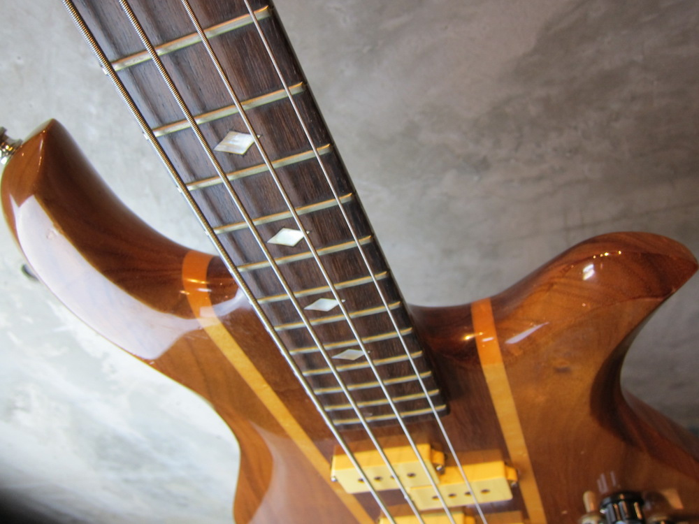 画像3: B.C. Rich  80's  Eagle Bass KOA Jacaranda w/ Flight Case