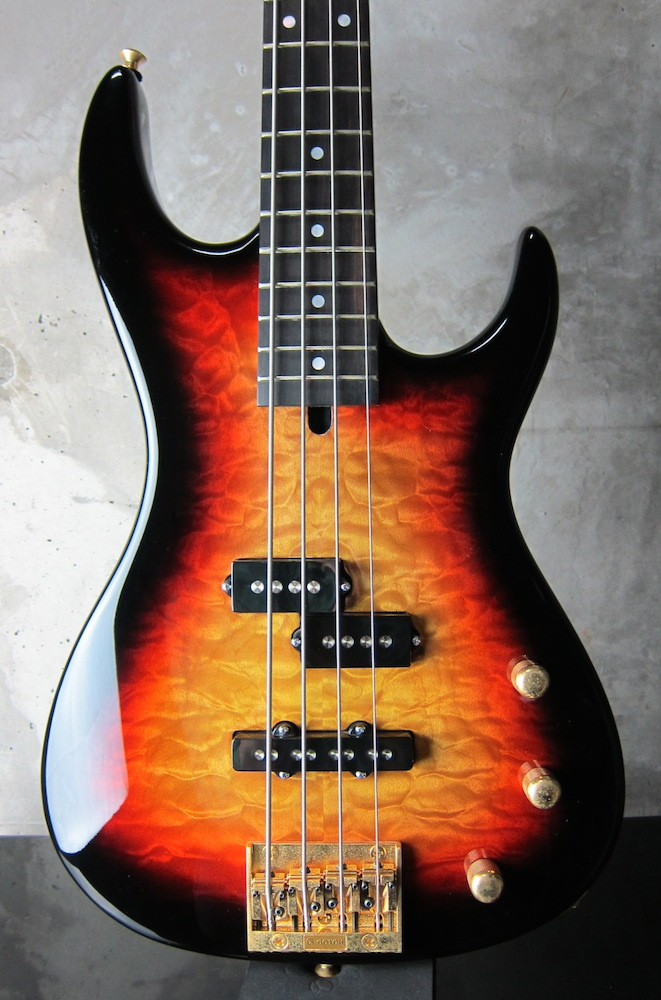 画像1: Valley Arts Custom Pro USA Bass / Sunburst