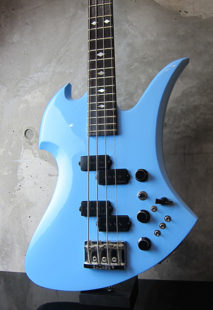画像1: B.C. Rich '81 Mockingbird Bass / Pearl Blue