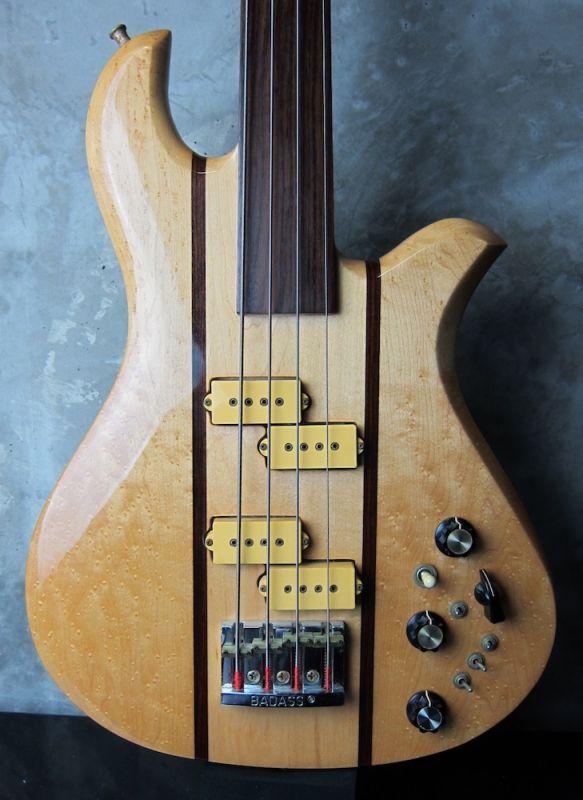 画像1: B.C. Rich Eagle Bass Fretless '81