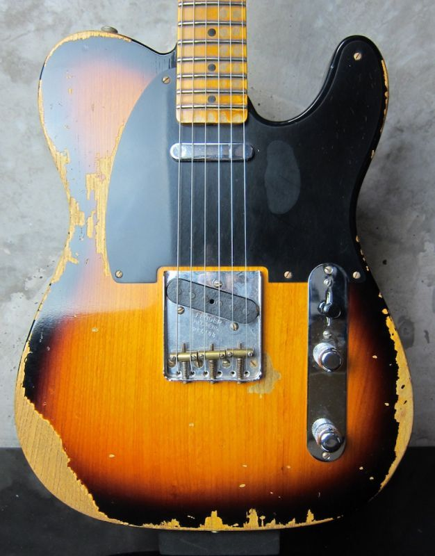 画像1: Fender Custom Shop 1952 Telecaster Relic Sunburst