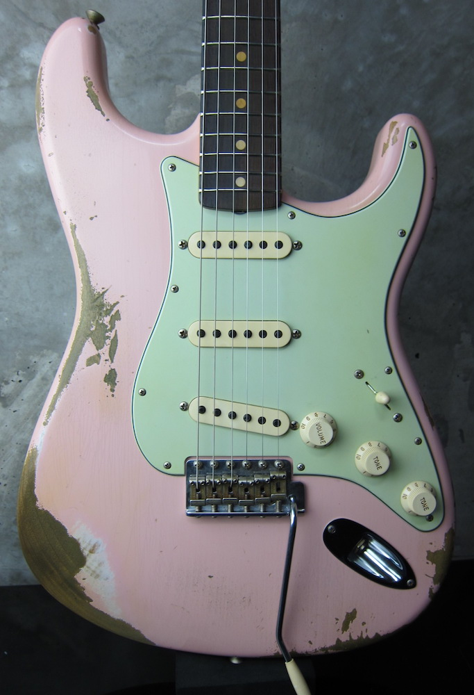画像1: Fender Custom Shop 1962 Stratocaster Relic Shell Pink