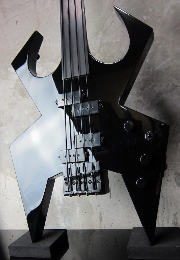 画像1: B.C. Rich Custom Shop Widow Bass Fretless Black