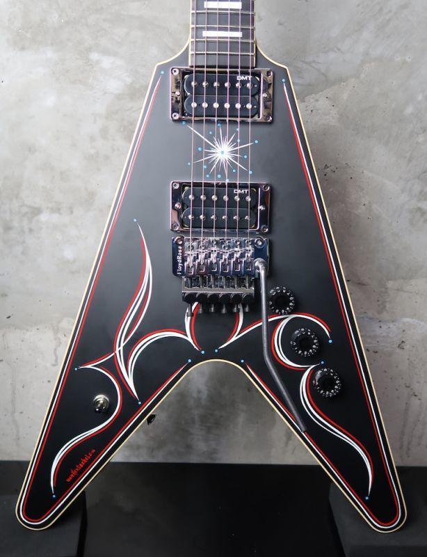 画像1: Dean USA Tracii Guns V Floyd / Satin Black ☆期間限定 ¥483,000-⇒⇒⇒ ¥ 357,000-!!!!