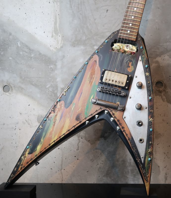 画像1: Mr. Scary Guitars Super V George Lynch Desert Rose 2009 Limited Run of 3 Handbuilt by George Lynch