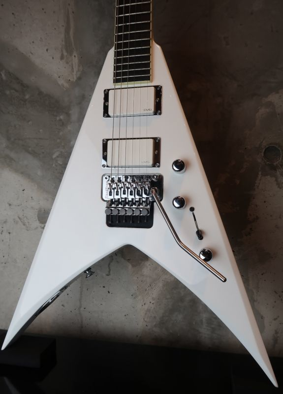 画像1: Jackson USA Custom Shop / Custom Select KV2 King V / whiteout