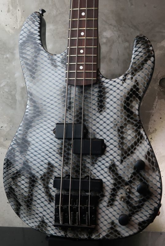 画像1: B.C. Rich USA Gunslinger Bass / Snake Skin